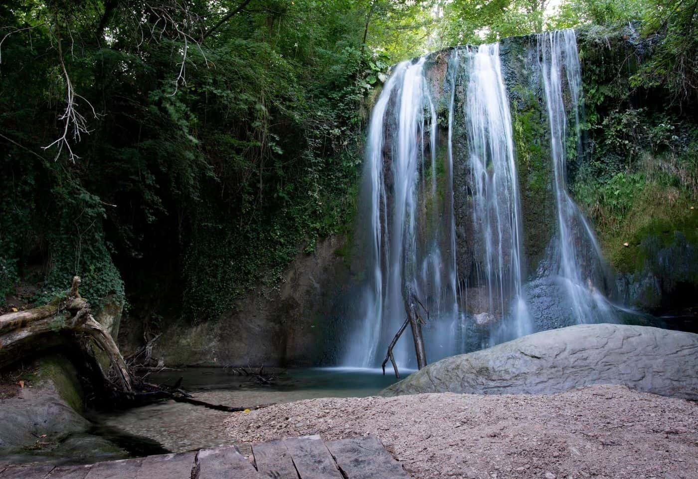 Cascata grande de Lu Vagnatò - Via delle Cascate Perdute di Sarnano