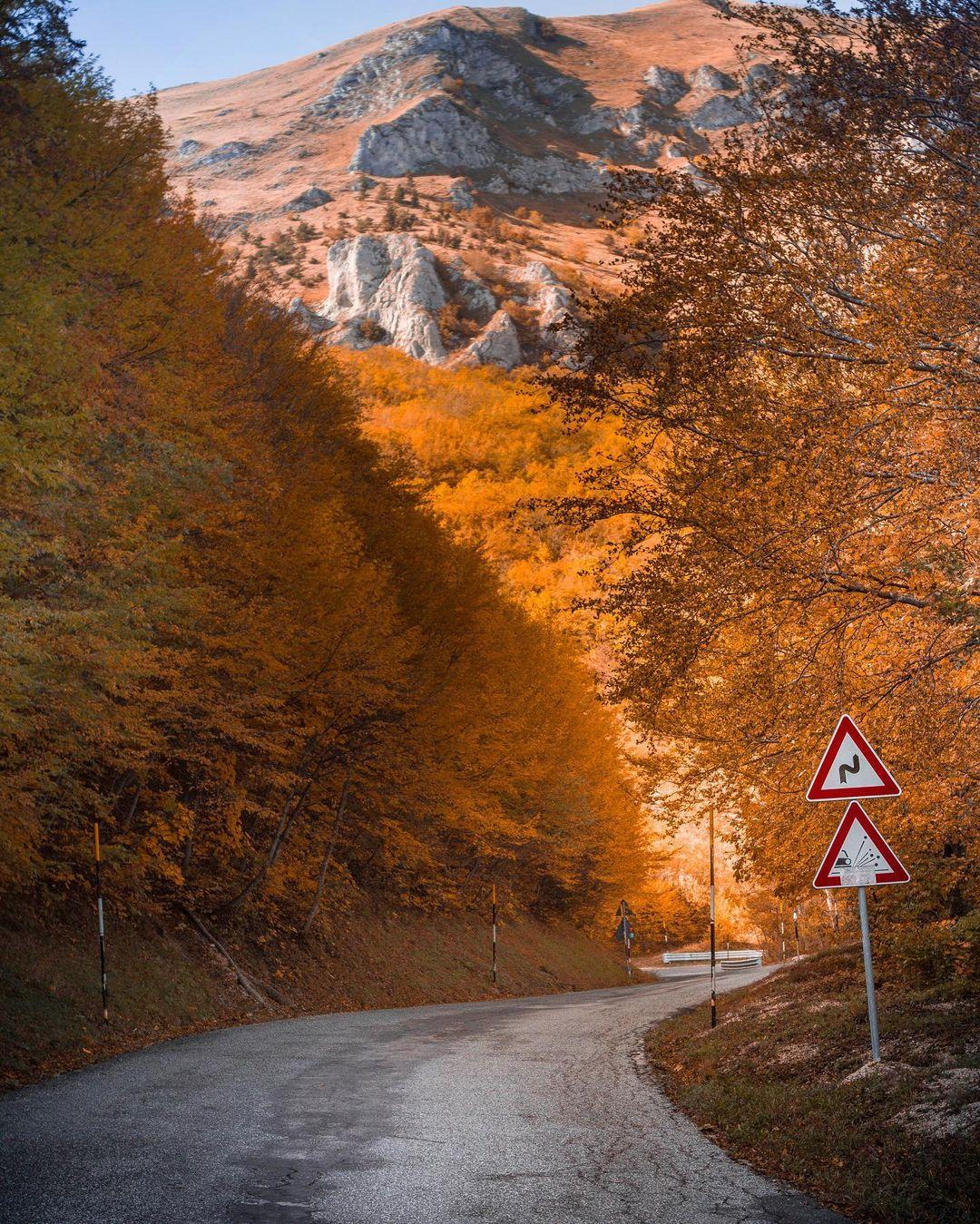 Foto di Tommaso Paolucci - Autunno a Sarnano - Via delle Cascate Perdute